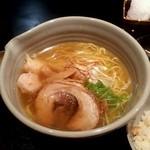 麺処 銀笹 - 白醤油ラーメン 880円♪