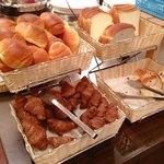 21061806 - 洋食メニュー パン