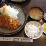 とんかつ大関 - ロースかつ定食 1350円
