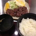 広島 - 牛ヒレステーキ定食 B 890円