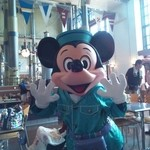 ホライズンベイ・レストラン - 食事中にミッキーが挨拶に来てくれました。
