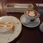 カフェ カトル ヴァン ヌフ 横浜 - ミルフィーユ&カプチーノ(\1,200)
