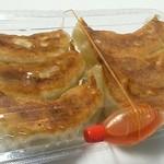 ぎょうざの紅梅 - 料理写真:餃子 6個400円