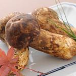 天ぷら ひさご - きのこの王様・松茸