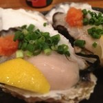 曙町 場内酒場 - 生牡蠣美味しかった。大きさはまぁまぁ。