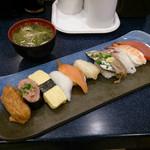 UOKI - 魚喜10貫握り 1000円