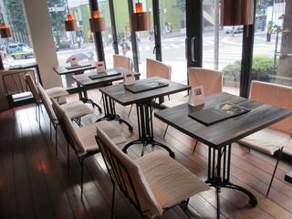 24/7 coffee&roaster shibuya - 店内