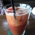 びぃcafe - 2層のトマトジュースです