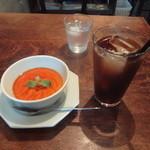 21078010 - 本日のスイーツ(パンナコッタ)、アイスコーヒー