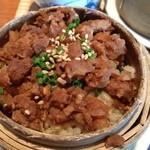 21080169 - 豚の時雨煮が乗った蒸しご飯。本当にほどよい味付けです(*´∀`)