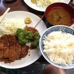 大木洋食店 - とんかつ定食(850円)