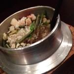 味波 - ホタテとエビと山菜の釜飯