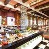 Chinese Table - 内観写真:バリエーション豊富なメニューが並ぶブッフェ台