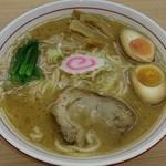 麺屋 中川 - とんこつらーめん  大盛(無料)  味玉