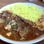 谷口カレー - 具は牛すじ、豆腐、大根等の野菜