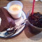 21089633 - 2013.09 チョコシフォン、プリン、アイスコーヒー