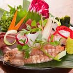 鉢屋 - 料理写真:鮮度抜群! 厳選の味わいをぜひ『旬のお造り五点盛り』