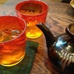 てぃんさぐぬ花 - 琉球グラスで泡盛。