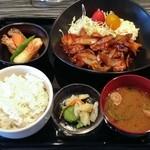 居酒屋どらごん - B定食(680円)