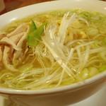 三代目 仔虎 - 鶏そば(塩味)麺大盛り