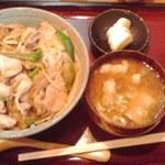 21096395 - 味噌ぶた丼 800円也