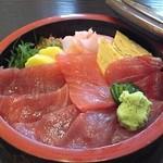 新月寿司 - 鉄火丼