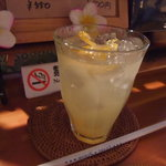 cafeロジウラのマタハリ春光乍洩 - 柚子茶のセットで1000円
