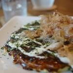 オコノミ デ カフェ マミム - 料理写真:豚玉