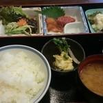 21103249 - 馬刺定食2000円