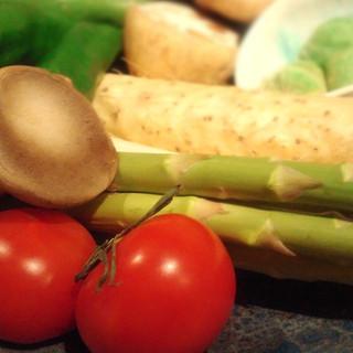鶏料理だけではありません!旬の野菜もしっかりご用意。