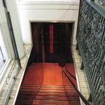 2112283 - 地下1階への入口