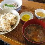 2112349 - 竹定食1500円。これに鮎の塩焼き
