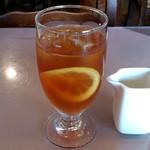 トラットリア マルーモ - TRATTORIA Maruumo 台場店 本日のランチに付くドリンク アイスレモンティーで