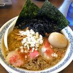 らーめん らいふ - 特製背脂中華(麺中盛)