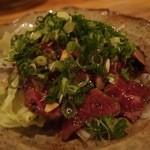 竹茂 - 牛肉のたたき。