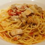 ベヴィトリーチェ - 大山鶏のハーブソースのスパゲッティ 大盛り 肉が美味しかったそうです