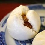 A l'aise - チャーシュー饅頭