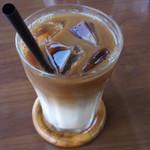 スパイスドッグ - アイス豆乳カフェラテ