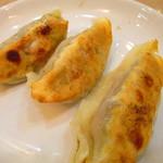 玉泉亭 - セットの餃子
