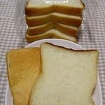 プーフレカンテ - 予約無しじゃ買えない2ケ月待ち食パン「パンドミー」、型崩れで当日GET。