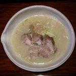 麗江 - 鶏そば チャーシューのせ(950円)