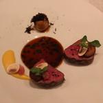 レザンファン ギャテ - 牛ヒレのロースト フォンドーボ と 卵黄 のソースで 里芋を添えて