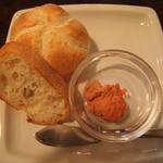 パスタバ - 自家製バター&パン