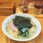 豚骨醬油ラーメン上野商店  - ラーメン(中盛・¥750)
