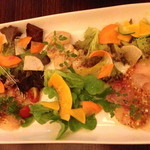 21159547 - 旬野菜と鮮魚のカルパッチョの盛り合わせ(¥ 1,600)