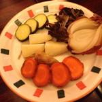 21159558 - 温野菜のアラビアータソースがけ(¥1,000)