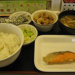 松屋 - 【朝限定】「焼魚定食/豚皿」です。
