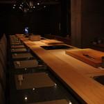魚菜えぼし庵・隠座 - カウンター席・16席/天ぷらコーナーも御座います。