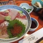 割烹 魚政 - 海鮮丼ランチ