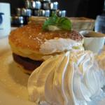 ババルーイ - 【2013.9追加写真】メープルバターパンケーキ¥550+マウンテンホイップ¥150